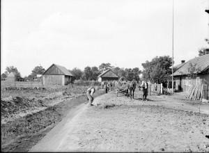 Budowa drogi do Tarnowa przez Chyszów 1930