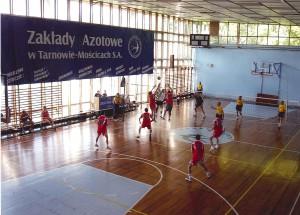 Hala sportowa przy basenie ZKS Unia 2002